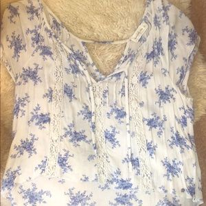 Adorable white and blue flower short sleeve blouse